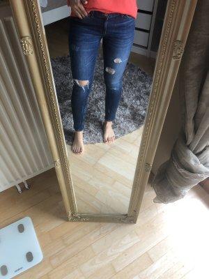 Röhren Jeans, zerrissen low waist - Zara