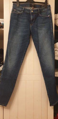 Guess Spodnie rurki stalowy niebieski