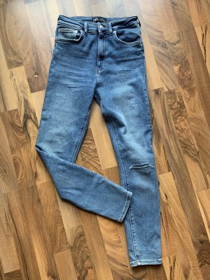 Röhrenjeans, Stretch Highwaist Zara