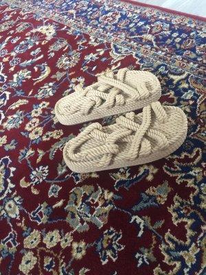 Sandalias romanas beige-crema