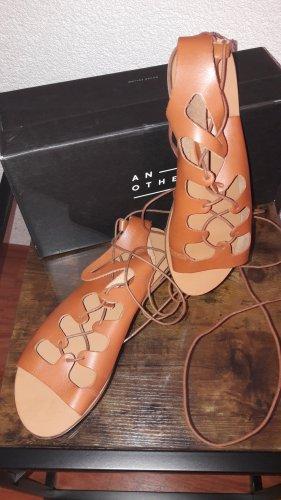 Sandalo romano cognac