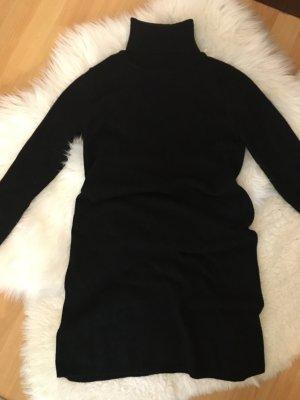 Rollkragen-Kleid
