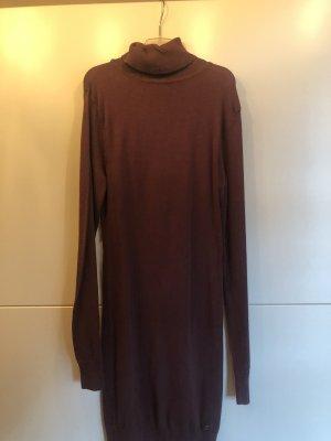 Robe pull brun pourpre