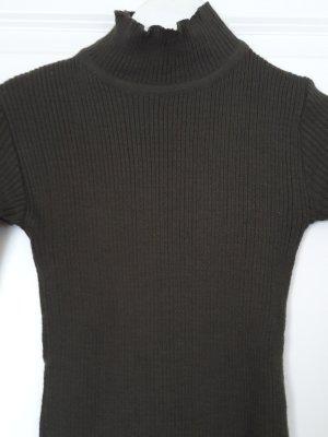 Jersey de cuello alto gris verdoso