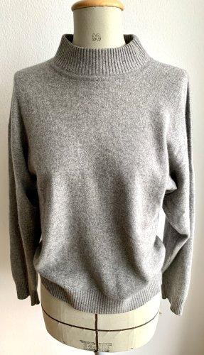 Sweter z golfem jasnoszary