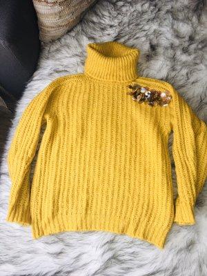 Pull en laine jaune