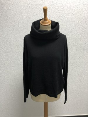 Uli Knecht Turtleneck Sweater black