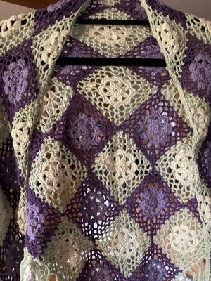 Chal púrpura-verde claro