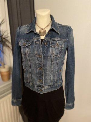 Romantische Jeansjacke mit Print im Ärmelumschlag