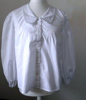 Romantische weiße Bluse mit Peter-Pan-Kragen