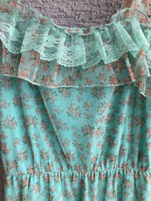 Romantisches Kleid mit Rüschen 44 46 Neu Mesh Kleid mit Volants Mesh-Kleid mit Volants Romantisches Kleid mit Rüschen Dieses Mesh-Kleid mit Volants sorgt durch seinen angesetzten Spitzensaum für einen verspielten Look. Mit dem modischen Design harmoniert