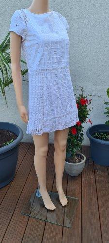 Romantisches Kleid mit Spitze