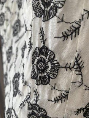 Romantisches Sommerkleid mit Stickereien