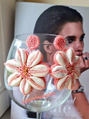 rosa Boho Ohrringe mit echten Muscheln und kleinen glasperlen handmade