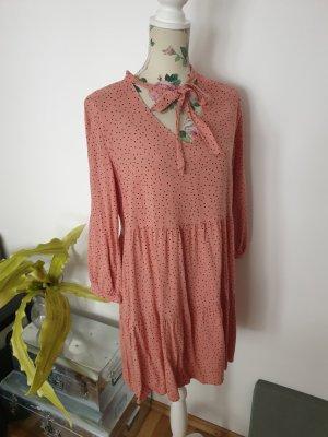 Rosa Hängerkleid mit Punkten und Schleife von New Look