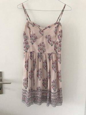 Rosa Kleid von Abercrombie & Fitch