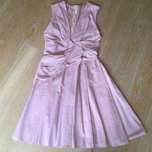 Rosa Kleid Von Prada