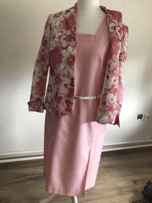 Rosa Kostüm und Jacke von Basler