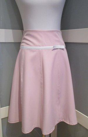 Rosa- Pastell- farbener Rock mit Schleife