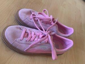 Sneaker con tacco rosa-fucsia neon