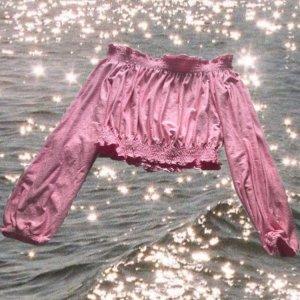 rosa schulterfreie Bluse