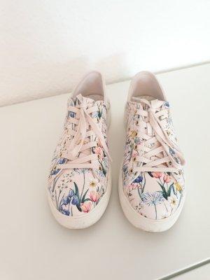 rosa Sneaker von Aldo