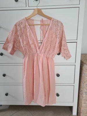 Rosa Sommerkleid mit V Ausschnitt und Spitze