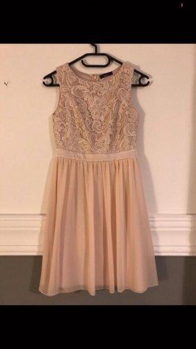Rosa Spitzen Kleid