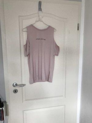 Rosa Tshirt von H&M in Größe XS mit cut outs an den Schultern und Aufschrift
