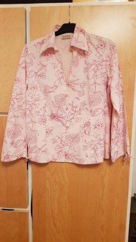 Rosafarbene Bluse mit floralem Muster Gr.40