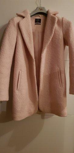 Rosafarbener Wollmantel
