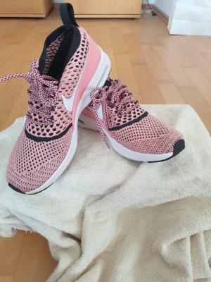 rosane Sneaker Sneaker Größe 38,5 Nike