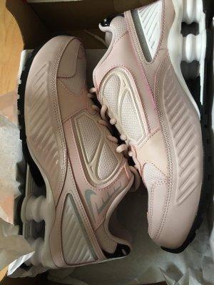 Rosé sneakers von Nike