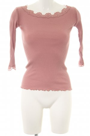 Rosemunde Camisa acanalada rosa look casual