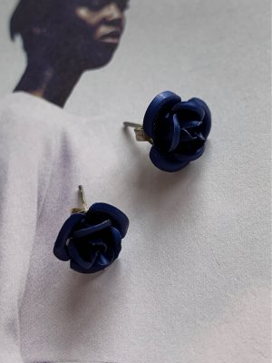 Ear stud dark blue-silver-colored