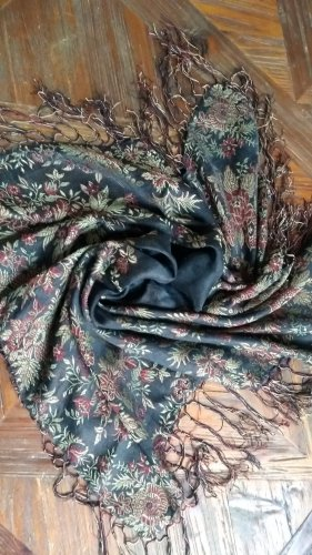 Traditional Scarf black-pink