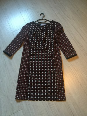 Rostrotes herbstliches Kleid