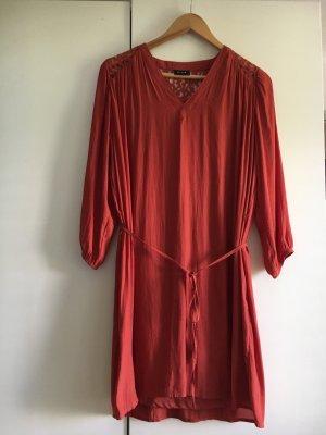 rostrotes oversize -kleid von vila gr.34