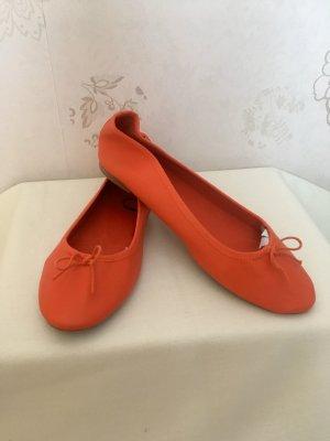 Rot-orangene Ballerinas