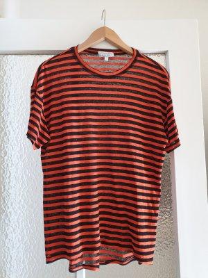 Rot-schwarz gestreiftes T-Shirt halb transparent
