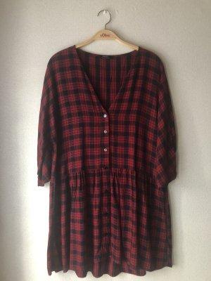 Rot/schwarz kariertes Kleid