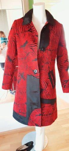Rot-schwarzer Mantel. Gr. 36/38