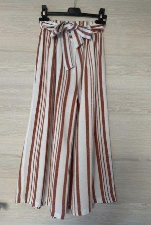 Rot/weiß linierte Hose