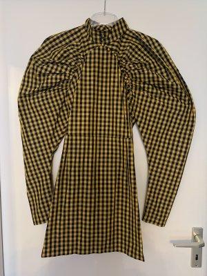 Rotate-Kleid mit Puffärmeln