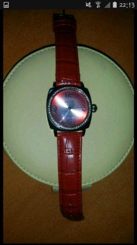 rote Armbanduhr pacific time quartz