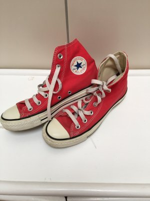 Converse Lace-Up Sneaker red
