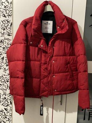 Rote gefütterte kurze Winter Jacke