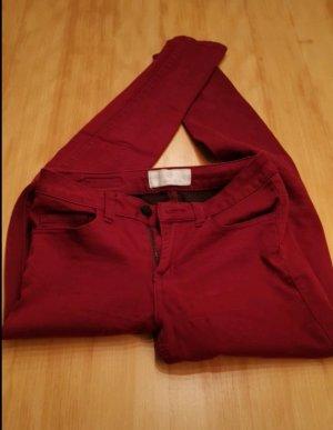 Rote Hose Pieces