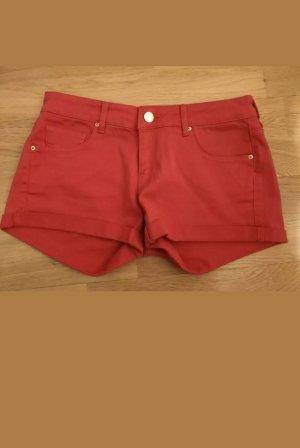 rote Hot Pants