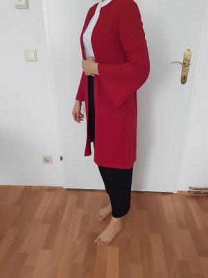 rote Jacke mit Glockenärmel von Bershka